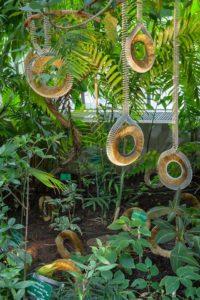 另一款藤蔓般的彈簧刷裝置藝術