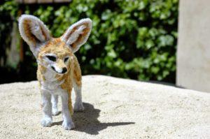耳廓狐-以毛根(類扭管刷)型塑而成