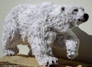 北極熊-以毛根(類扭管刷)型塑而成