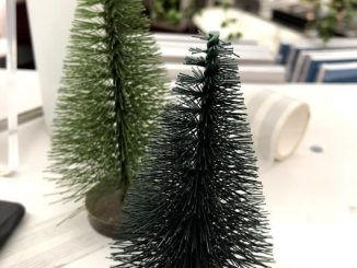 christmas tree tube brush